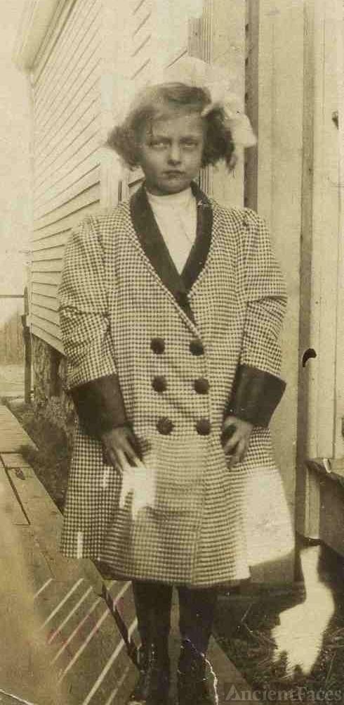 Mildred Vivian Moore