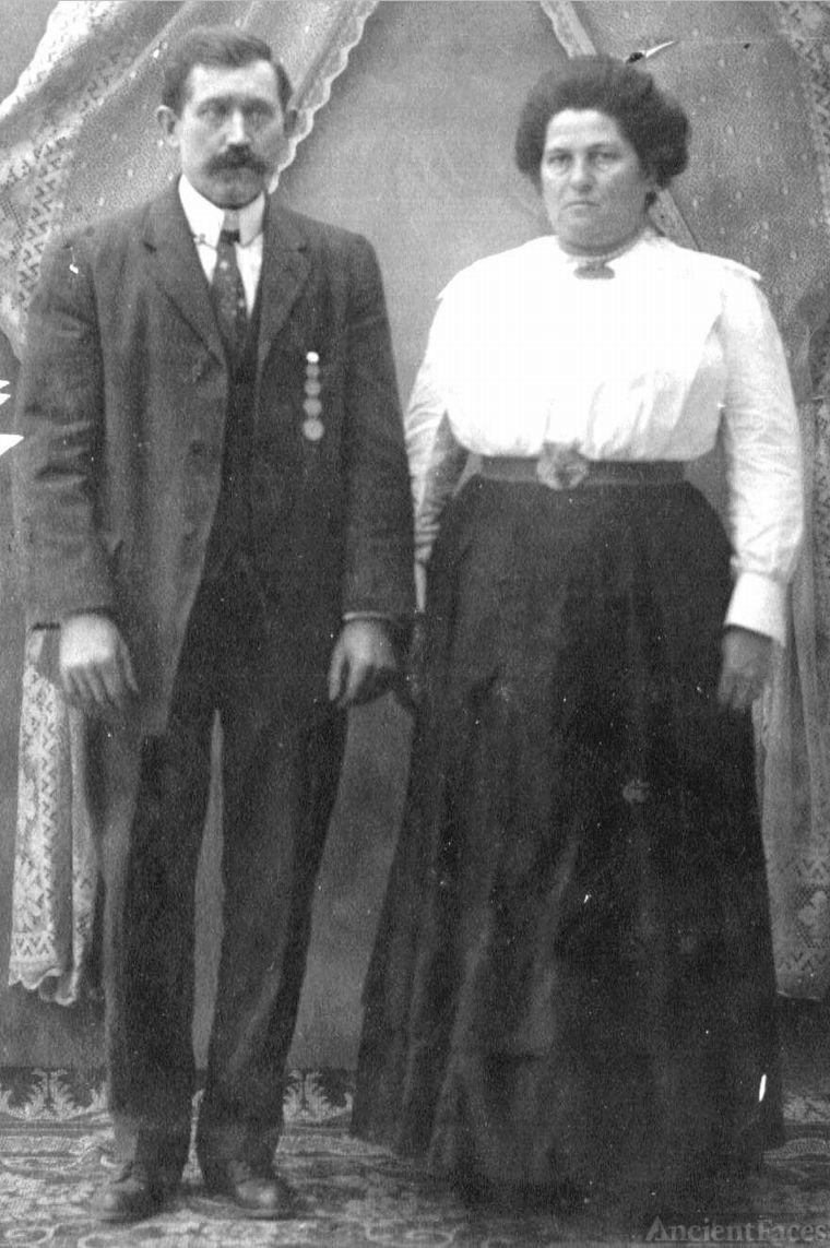 Hansford & May Lay