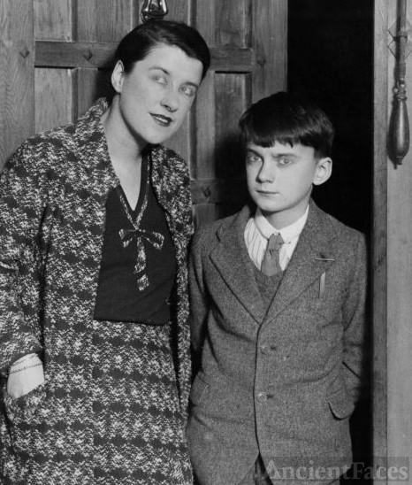 Bea Lillie and Robert Peel