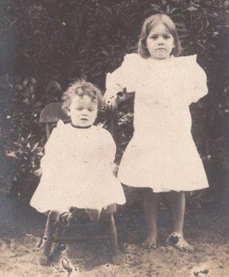 Agnes and Alma Gill