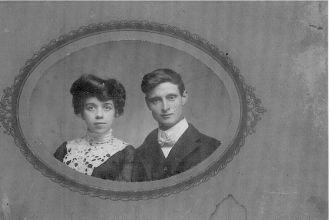 Ira and Harriet (Krontz) Downing, Wisconsin 1902