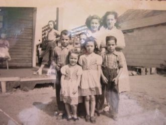 Evelyn Gertrude Rivers and family
