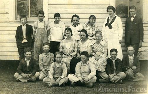 Kentucky Town School House 1919 - 1920