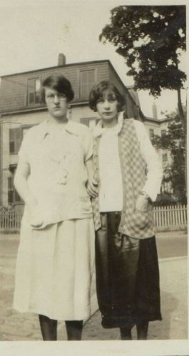 Bertha & Anna Heidke, Massachusetts 1925