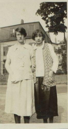 Bertha & Anna Heidke, Massachusetts 1925