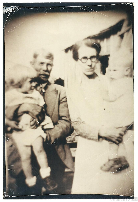 Granville Pippin Family, Kentucky 1935
