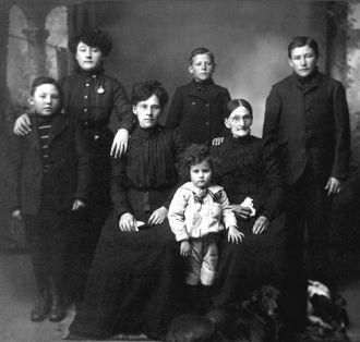 Maria (Stocklin) Schumm Family, SD 1880's