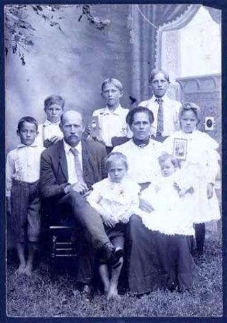 George H. & Margaret Beam Family, 1907