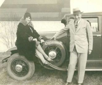 Marie & Fred Johnson / Car