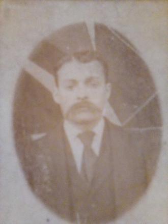 Robert Kidd as a young man.