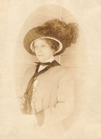 Dorothy Lee Lange