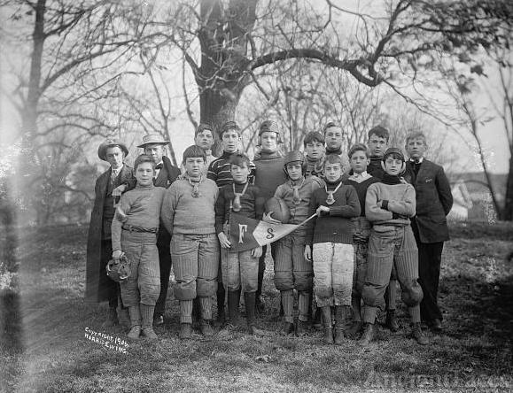FRIENDS SCHOOL. FOOTBALL