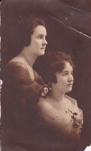 Karnes sisters