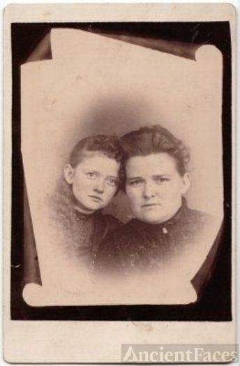 Alice Trueman and daughter