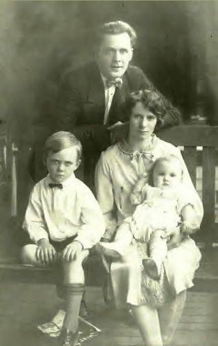 Ted, Clif, Mavona, & Louisa Willis