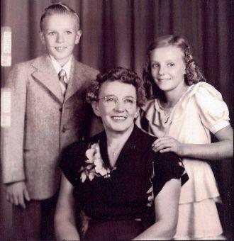 Adam, Anna and Rosemary Waclawski