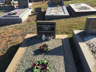 Nans grave