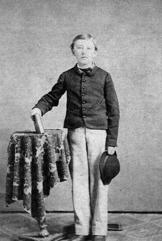 Hollis  Winchell