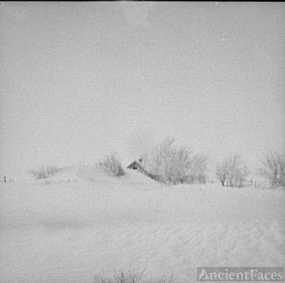 Oklahoma farm covered by dust, 1936