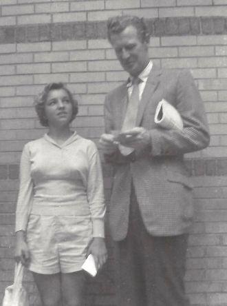 Amanda Stevenson and Edward Mulhare