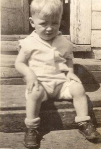 Gene David Wolner, 1933