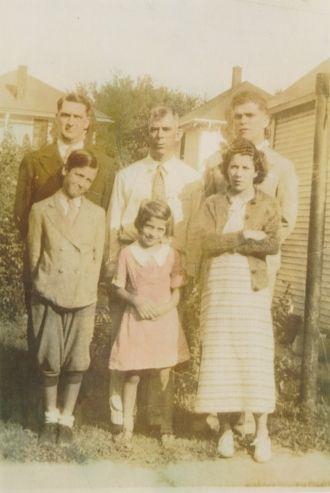 Earl Scott Ekleberry Family, 1938