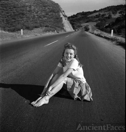 Marilyn Monroe, 1940's