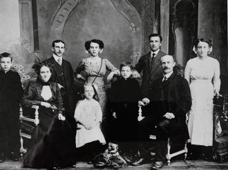 Tust family