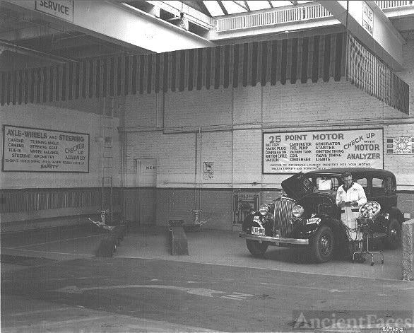 Linwood Buick Pontiac Service bay