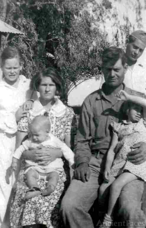 Freeman & Lillie Patchin with Family
