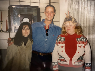 Bryan W. Largent with sisters Stacey Largent Castleman (left) and Jean Largent Skinner (right)