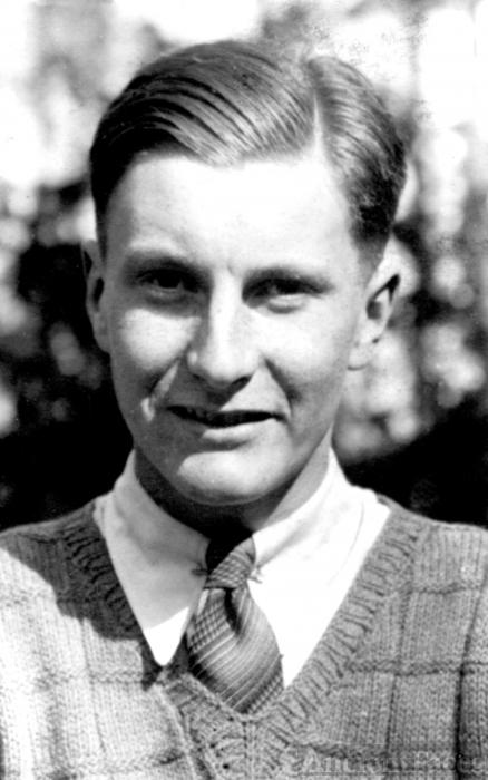 Robert Staveley Aitchison
