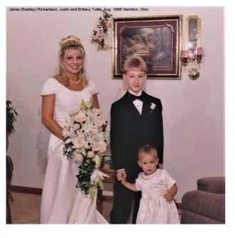 Jamie (Bradley) Richardson with nephew and niece, 1998