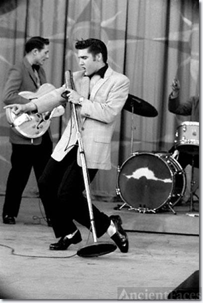 Elvis Presley, 1956