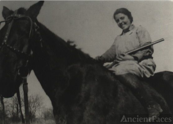 Mary Allessie on horse