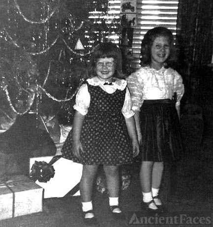Pam & Kathy Kroetch, Christmas 1955