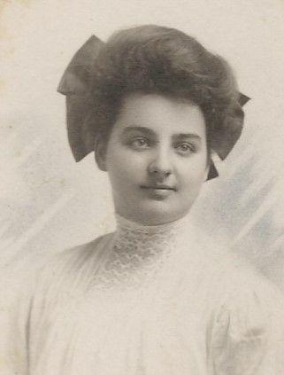 Bess Holmes Sehon