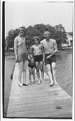 Visit to Ontario. Theodor Horydczak family in bathing suits