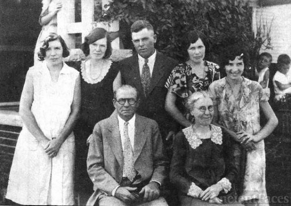 John Riley Pitzer family about 1935