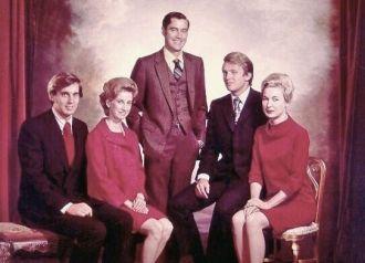 Donald Trump and siblings