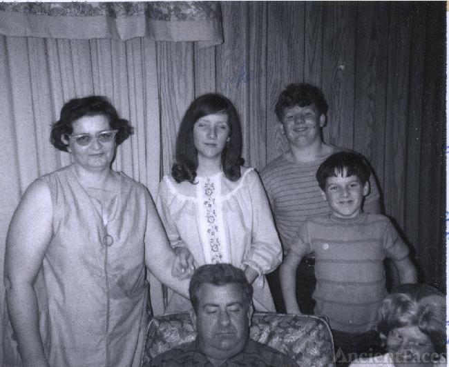 Mid and Robert Simpson Family