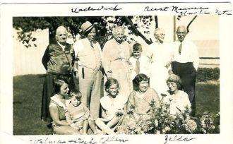 Erb & Lindsay Group Photo Abt 1929