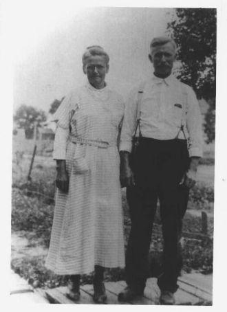 Caleb & Orpha (Slawter) Cannon, 1920