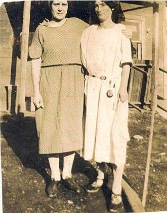 Winnie Agee Reynolds & ?