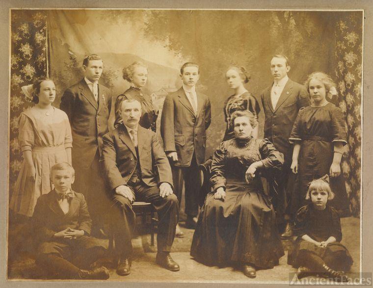 Salaman Dallaire family (parents, 9 children)
