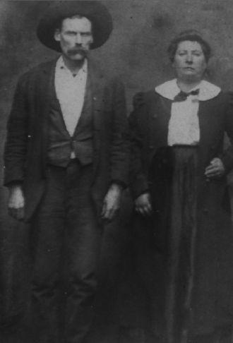 Mr and Mrs Dan Hyden