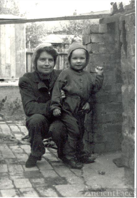 Gwendoline & David Batchelor, 1941