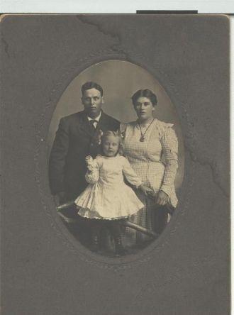 John Henry McLinn, Myrtle Scobell & Eva