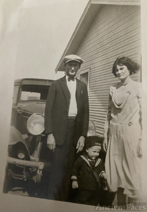 Howard Kirk Estelle and bill about 1930
