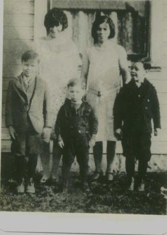Roach Family And Aunt Rose Hamilton